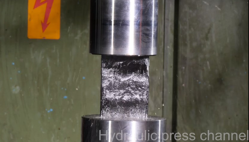 iPhone7 Vs hydraulic press