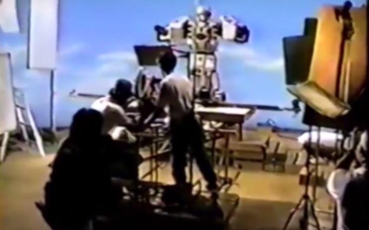 เบื้องหลัง ชุดหุ่นยนต์ขบวนการ 5 สี