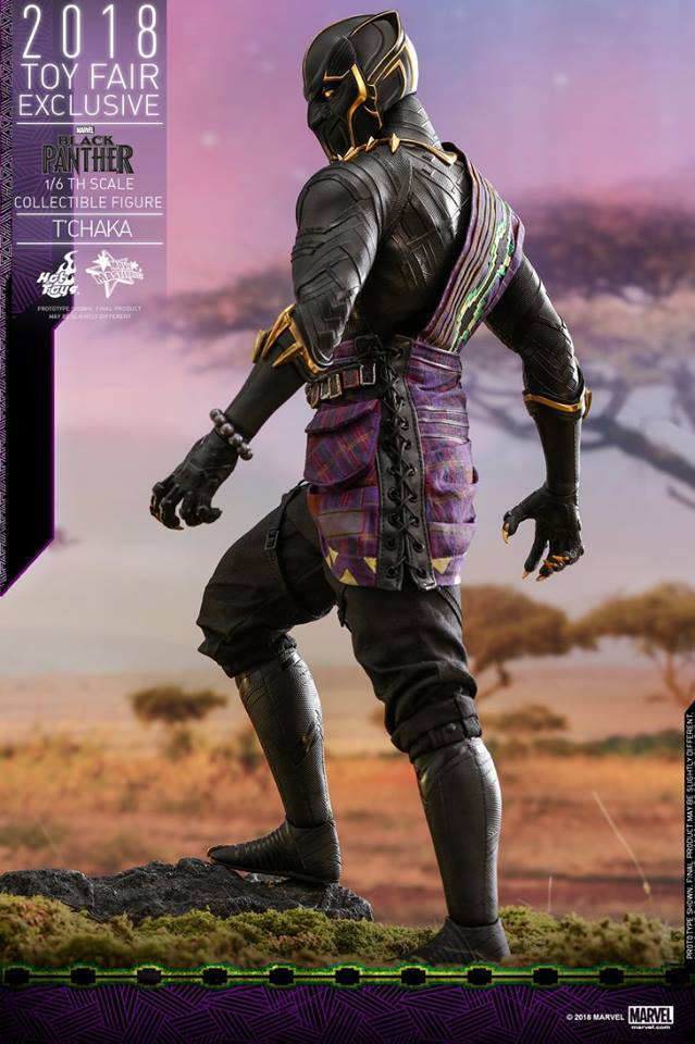 Hot toys Black Panther -1/6th scale T'Chaka Collectible Figure