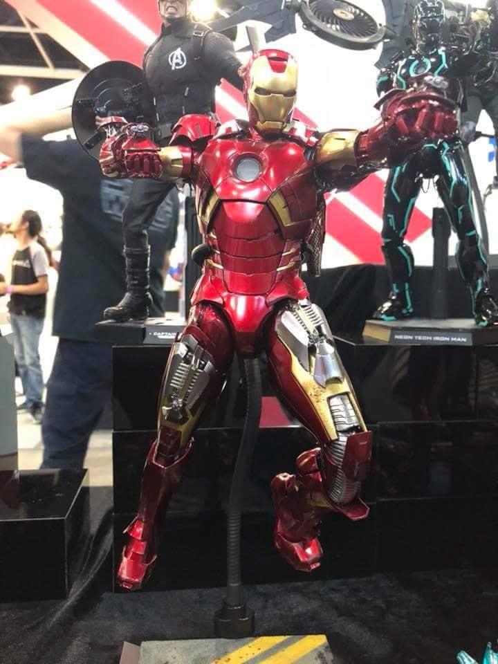 ภาพสินค้าจริง Hot toys Iron man Mark 7 Diecast